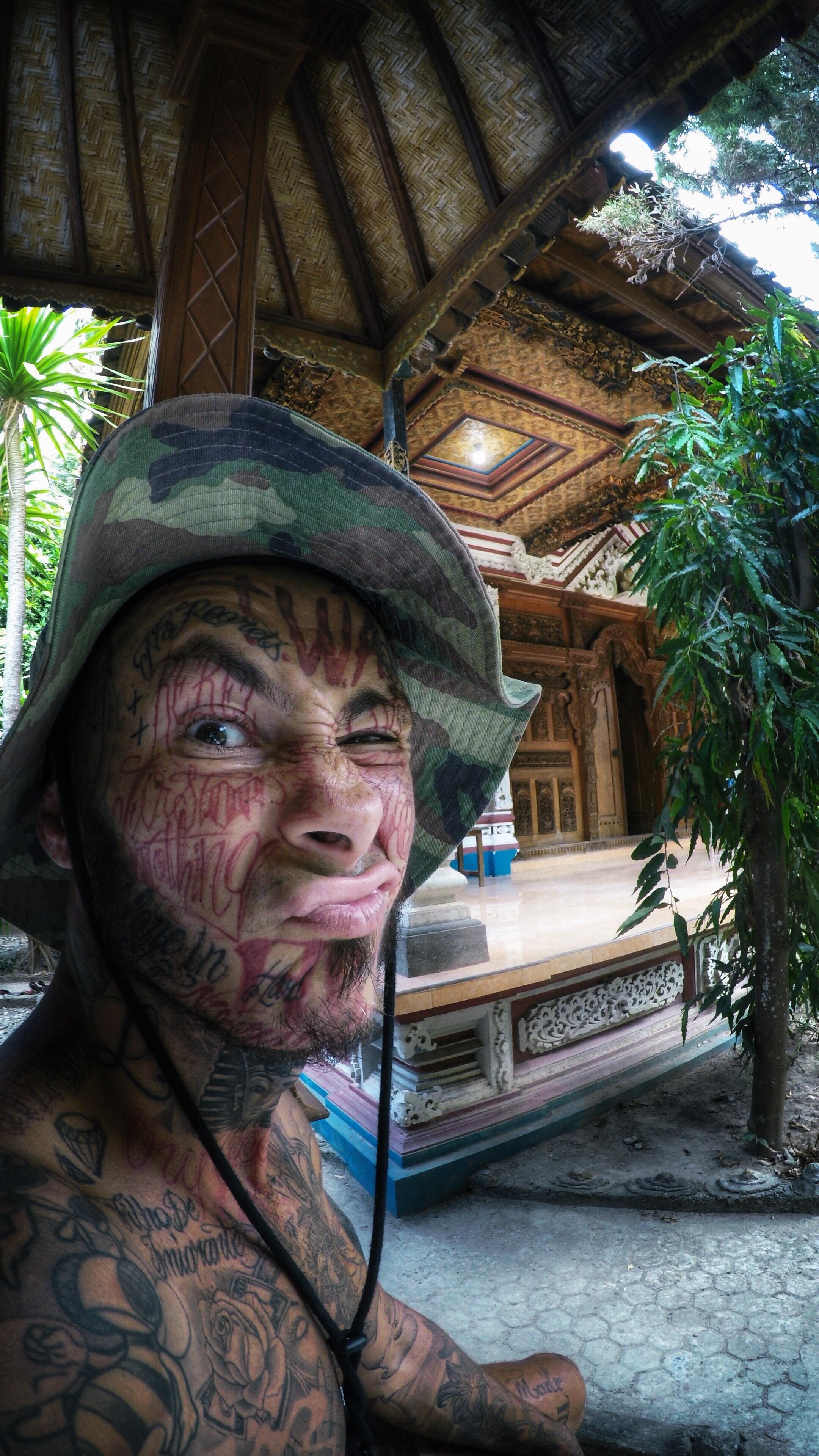 Lorenzi, le voyageur à la gueule tatoué